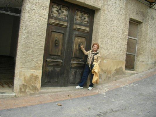 Clara ante la puerta